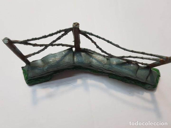 Figuras de Goma y PVC: Figura Alambrada con sacos Comansi escasa - Foto 3 - 214371320