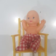 Figuras de Goma y PVC: MUÑECO CON SILLÓN , KIOSCO. Lote 214544240