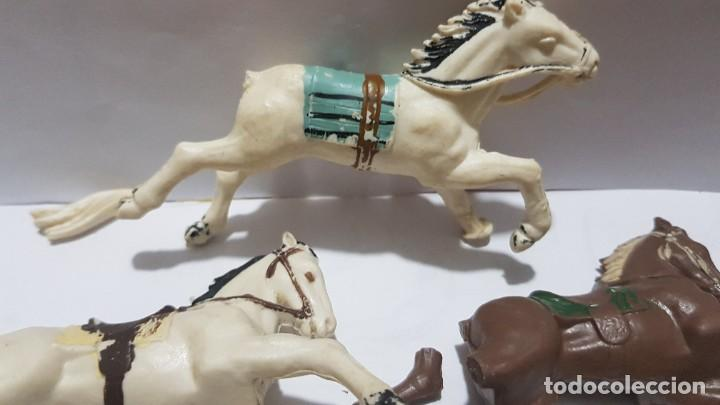 Figuras de Goma y PVC: Lote caballos en plastico con falta Reamsa - Foto 2 - 214738508