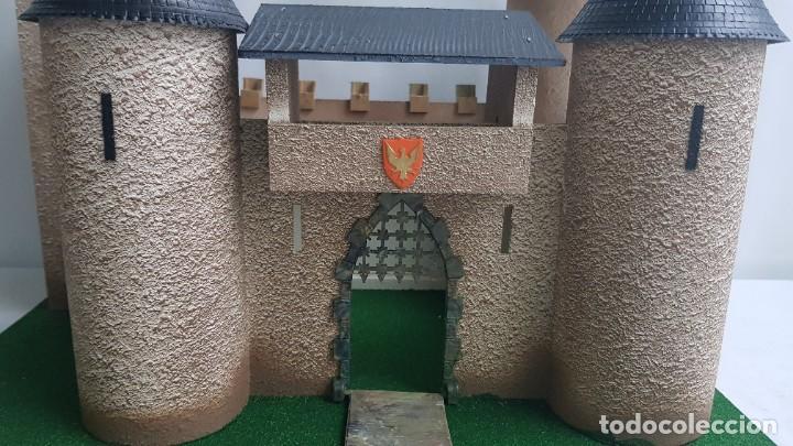 Figuras de Goma y PVC: Castillo medieval completo con soldados château-fort n° 3 ref. Ba 42103 Starlux - Foto 3 - 215087692