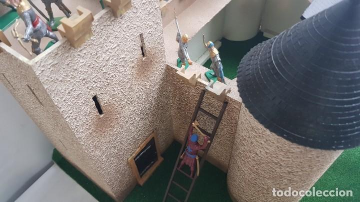 Figuras de Goma y PVC: Castillo medieval completo con soldados château-fort n° 3 ref. Ba 42103 Starlux - Foto 15 - 215087692
