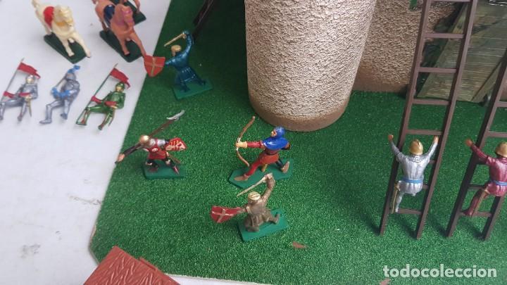 Figuras de Goma y PVC: Castillo medieval completo con soldados château-fort n° 3 ref. Ba 42103 Starlux - Foto 18 - 215087692
