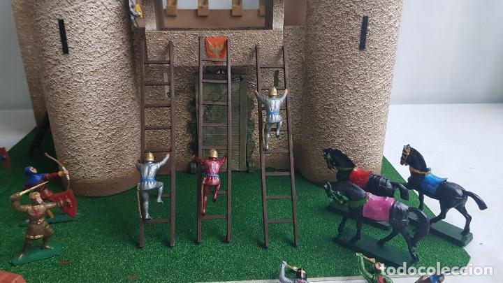 Figuras de Goma y PVC: Castillo medieval completo con soldados château-fort n° 3 ref. Ba 42103 Starlux - Foto 20 - 215087692