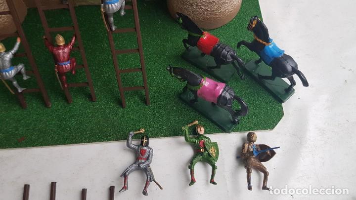 Figuras de Goma y PVC: Castillo medieval completo con soldados château-fort n° 3 ref. Ba 42103 Starlux - Foto 21 - 215087692