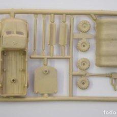 Figuras de Goma y PVC: MONTAPLEX COLADA CAMIÓN MILITAR AMETRALLADORA - AÑOS 70 - COLOR FOTO - MONTADO MIDE APROX. 6 CM.. Lote 215140263