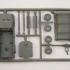 Figuras de Goma y PVC: MONTAPLEX COLADA CAMIÓN MILITAR AMETRALLADORA - AÑOS 70 - COLOR FOTO - MONTADO MIDE APROX. 6 CM.. Lote 215140841