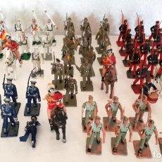 Figurines en Caoutchouc et PVC: EXCELENTE LOTE 67 FIGURAS SOLDADOS DESFILE EJÉRCITO ESPAÑOL REAMSA GOMARSA SOLDIS 60S 70S. Lote 215191877
