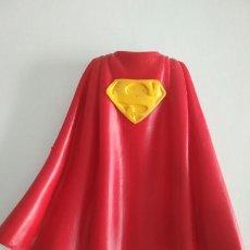 Figuras de Goma y PVC: FIGURA COMICS SPAIN - CAPA DE SUPERMAN. Lote 257652545
