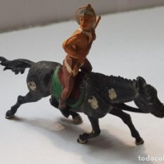 Figuras de Goma y PVC: FIGURA VAQUERO CON RIFLE EN GOMA DE GAMA ARTICULADA. Lote 215482027