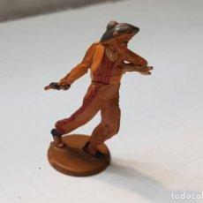 Figuras de Goma y PVC: FIGURA VAQUERO HERIDO FLECHA EN GOMA DE GAMA ARTICULADA. Lote 215482836