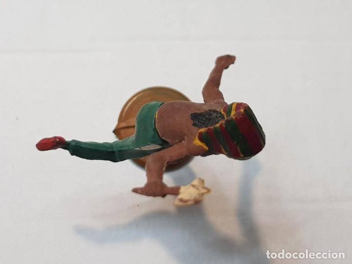Figuras de Goma y PVC: Figura Indio con hacha en Goma de Gama articulada - Foto 3 - 215483288
