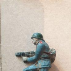 Figuras de Goma y PVC: SOLDADO DE GOMA ALEMAN WEHRMACHT. Lote 215720128
