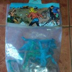 Figuras de Goma y PVC: VAQUEROS AÑOS 70-80. Lote 215929392
