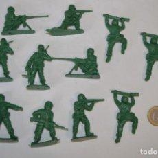 Figuras de Goma y PVC: 2ª GUERRA MUNDIAL - ANTIGUO/VINTAGE - 11 SOLDADOS / APROXIMADAMENTE 5 CM. ALTURA ¡MIRA FOTOS!. Lote 215999776