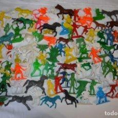 Figuras de Goma y PVC: INMENSO LOTE, SOBRE 120 UNIDADES / INDIOS, VAQUEROS Y OTROS - COMANSI, PUIG, PECH, JECSAN... ¡MIRA!. Lote 216003827