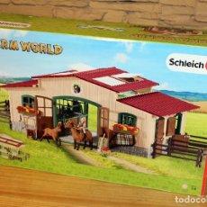 Figuras de Goma y PVC: FARM WORLD - SCHLEICH - CABALLERIZA CON CABALLOS Y ACCESORIOS - 42195 - RESERVADO A TEKALIHWA. Lote 216951971