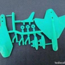 Figuras de Goma y PVC: COLADA MONTAPLEX AVION NUEVA SACADA DE SOBRE AÑOS 70. Lote 231513640