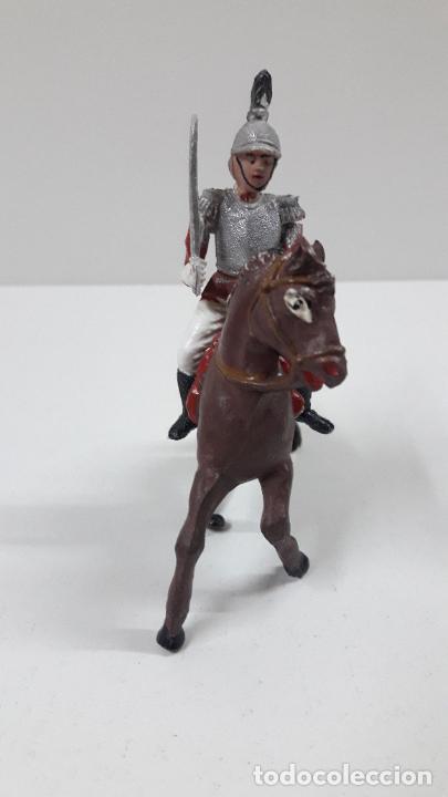 Figuras de Goma y PVC: CORACERO DEL REY A CABALLO . REALIZADO POR TEIXIDO . ORIGINAL AÑOS 60 . CABALLO NO INCLUIDO - Foto 3 - 217168872
