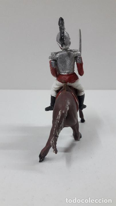 Figuras de Goma y PVC: CORACERO DEL REY A CABALLO . REALIZADO POR TEIXIDO . ORIGINAL AÑOS 60 . CABALLO NO INCLUIDO - Foto 4 - 217168872