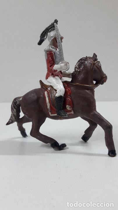Figuras de Goma y PVC: CORACERO DEL REY A CABALLO . REALIZADO POR TEIXIDO . ORIGINAL AÑOS 60 . CABALLO NO INCLUIDO - Foto 5 - 217168872