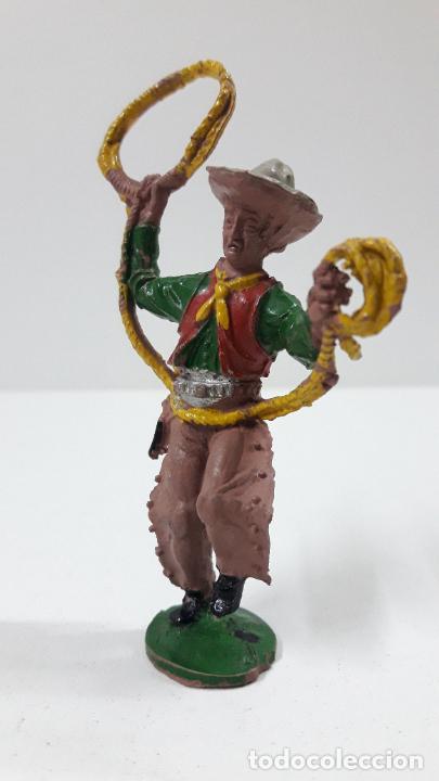 Figuras de Goma y PVC: VAQUERO - COWBOY CON LAZO . REALIZADO POR LAFREDO . ALTURA TOTAL 8 CM . ORIGINAL AÑOS 50 EN GOMA - Foto 3 - 217183633