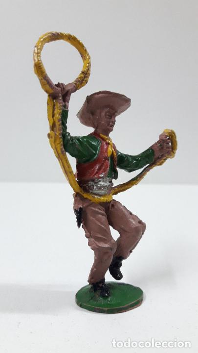 Figuras de Goma y PVC: VAQUERO - COWBOY CON LAZO . REALIZADO POR LAFREDO . ALTURA TOTAL 8 CM . ORIGINAL AÑOS 50 EN GOMA - Foto 4 - 217183633