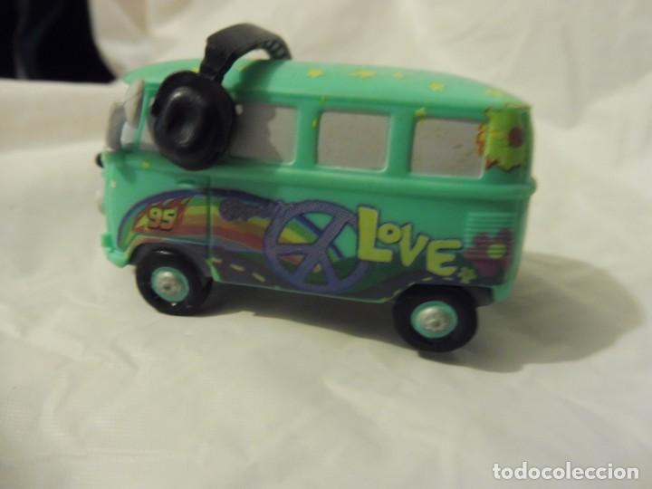 Figuras de Goma y PVC: Bullyland figura goma pvc Disney Pixar Cars furgoneta Fillmore con etiqueta - Foto 5 - 217281438