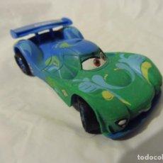Figuras de Goma y PVC: BULLYLAND FIGURA GOMA PVC DISNEY PIXAR CARS COCHE CARLA VELOSCO CON ETIQUETA. Lote 217282310