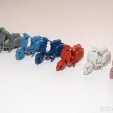 Figuras de Goma y PVC: LOTE DE VESPAS DE COLORES - SCOOTER VESPA - DESMONTABLES AÑOS 60 - MONTAPLEX. Lote 217586253