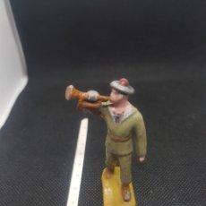 Figuras de Goma y PVC: MUY ANTIGUO SOLDADO DE JUGUETE DE ALUMINIO. Lote 217674155
