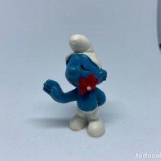 Figuras de Goma y PVC: PITUFO CON FLOR EN EL CUELLO - SCHLEICH. Lote 213183267