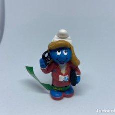 Figuras de Goma y PVC: PITUFO - PITUFINA SECRETARIA - BASF - SCHLEICH. Lote 217338316