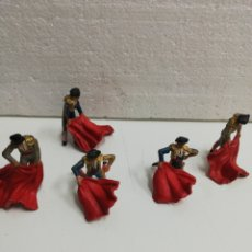 Figuras de Borracha e PVC: LOTE DE 5 TOREROS CON MULETA. TEIXIDO.. Lote 218007088