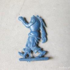 Figuras de Goma y PVC: FIGURA DE PÁSTICO DESCONOCIDA SIN CABEZA - AÑOS 70. Lote 218063835