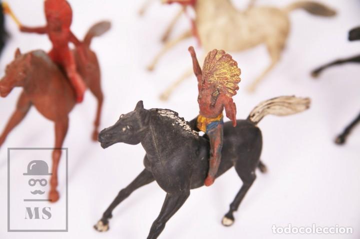 Figuras de Goma y PVC: Conjunto de 5 Caballos y 6 Indios de Goma Sotorres - Años 50-60 - Foto 4 - 218085131