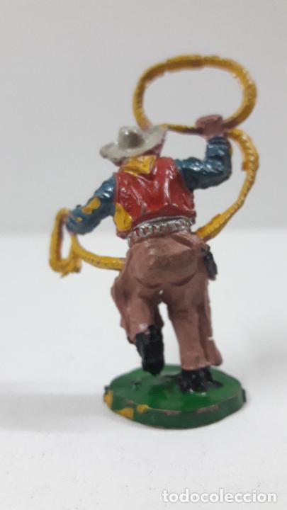 Figuras de Goma y PVC: VAQUERO - COWBOY CON LAZO . REALIZADO POR LAFREDO . SERIE PEQUEÑA - ALTURA 5,8 CM . AÑOS 50 EN GOMA - Foto 2 - 218128723