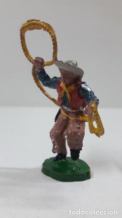 Figuras de Goma y PVC: VAQUERO - COWBOY CON LAZO . REALIZADO POR LAFREDO . SERIE PEQUEÑA - ALTURA 5,8 CM . AÑOS 50 EN GOMA - Foto 3 - 218128723