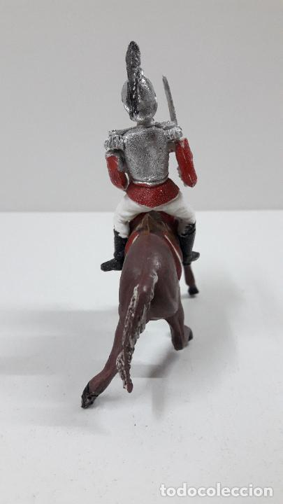 Figuras de Goma y PVC: CORACERO DEL REY A CABALLO . REALIZADO POR TEIXIDO . ORIGINAL AÑOS 60 . CABALLO NO INCLUIDO - Foto 4 - 218333415