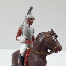 Figuras de Goma y PVC: CORACERO DEL REY A CABALLO . REALIZADO POR TEIXIDO . ORIGINAL AÑOS 60 . CABALLO NO INCLUIDO. Lote 218333415