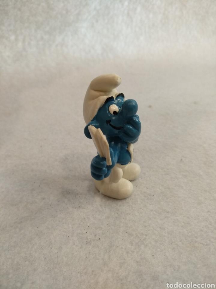 Figuras de Goma y PVC: Pitufo jugando a cartas. - Foto 2 - 218479107