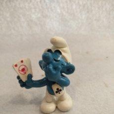 Figuras de Goma y PVC: PITUFO JUGANDO A CARTAS.. Lote 218479107