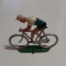 Figuras de Goma y PVC: CICLISTA DE PLASTICO SOTORRES. AÑOS 70/80. Lote 218529981