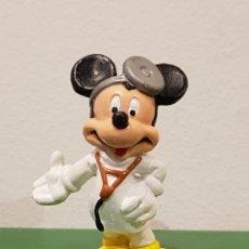 Figuras de Goma y PVC: FIGURA PVC MICKEY MOUSE MEDICO DOCTOR, WALT DISNEY, BULLYLAND MADE IN GERMANY. Lote 218595865