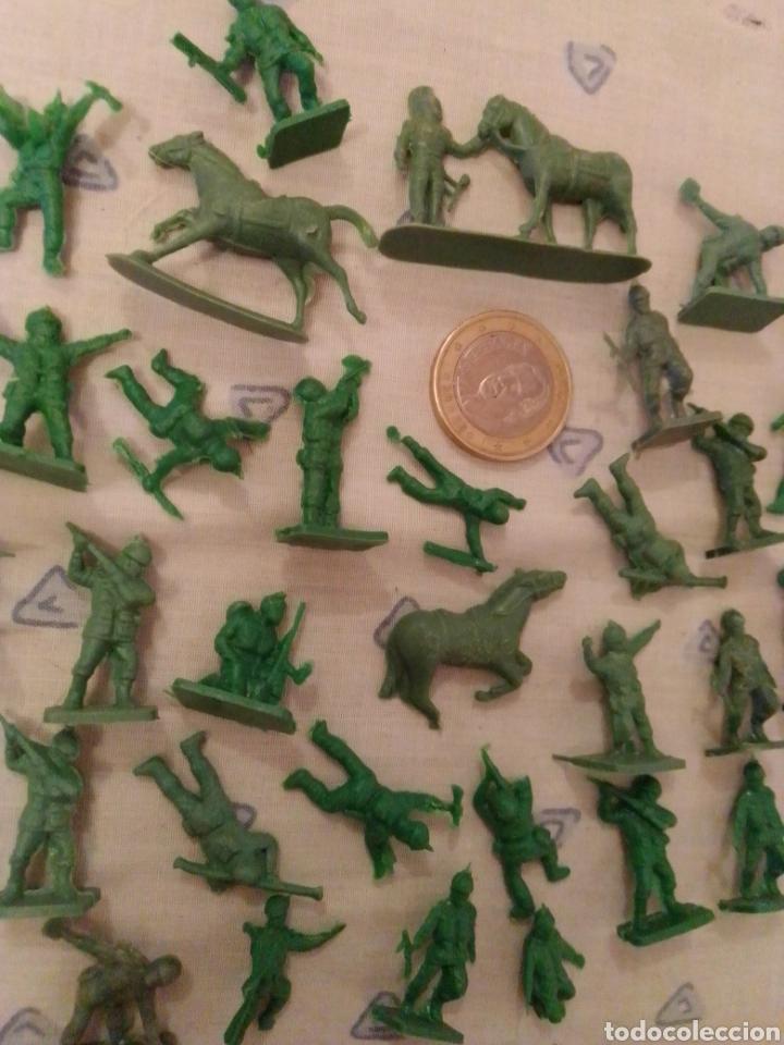 Figuras de Goma y PVC: Figuras montaplex sobres sorpresa - Foto 2 - 218607241
