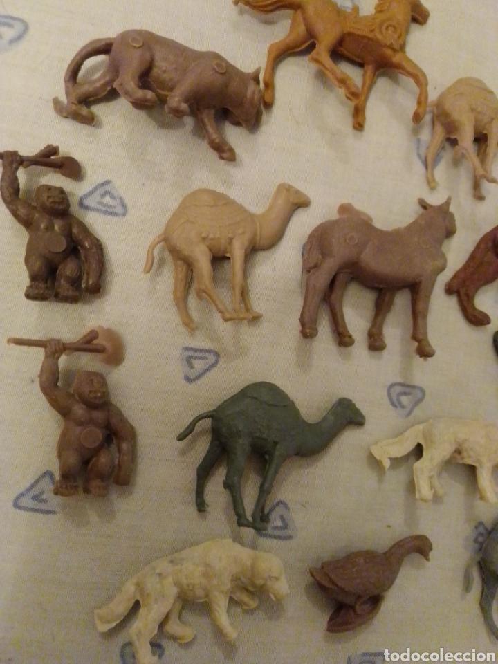 Figuras de Goma y PVC: Figuras montaplex sobres sorpresa - Foto 2 - 218608053
