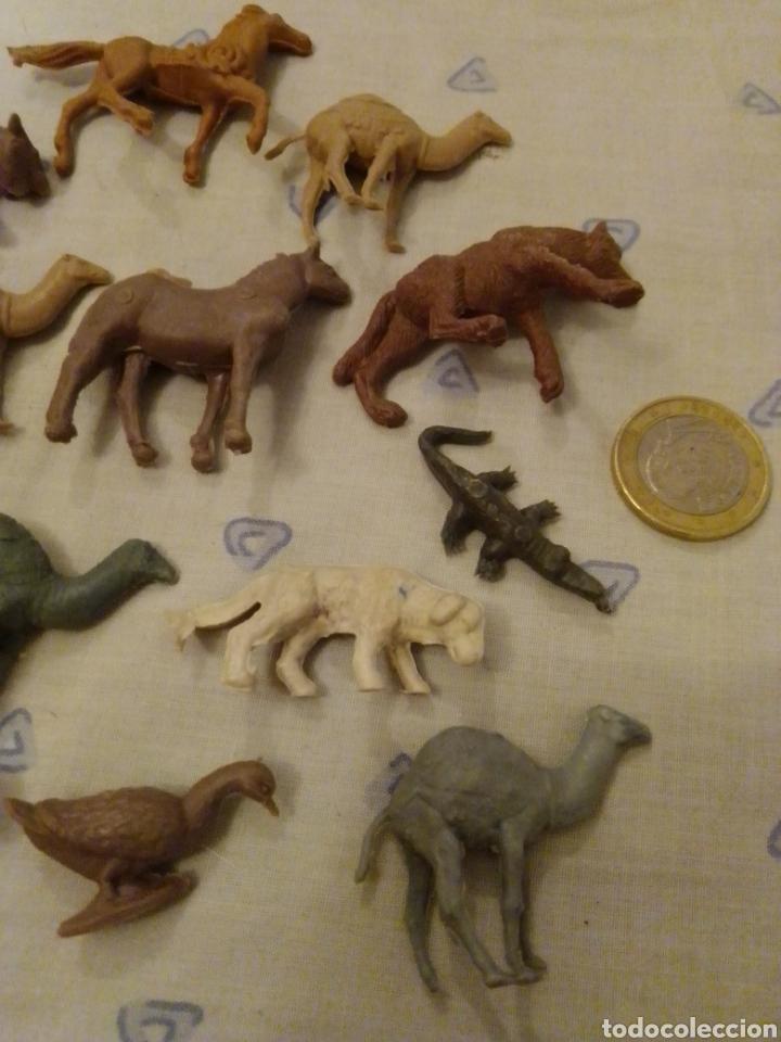 Figuras de Goma y PVC: Figuras montaplex sobres sorpresa - Foto 3 - 218608053
