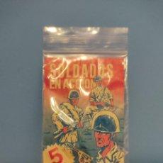 Figuras de Goma y PVC: DUNKIN,SOBRE SOLDADOS EN ACCION(CHICLE MAS FIGURA). Lote 218750015