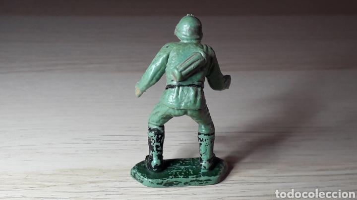 Figuras de Goma y PVC: Soldado alemán servidor cañón, fabricado en plástico, Pech Hermanos, original años 60. - Foto 2 - 218750217