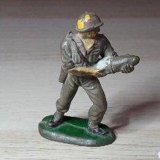 Figuras de Goma y PVC: SOLDADO AMERICANO MARINE SERVIDOR CAÑÓN, FABRICADO EN GOMA, PECH HERMANOS, ORIGINAL AÑOS 50.. Lote 218750428