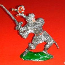 Figuras de Goma y PVC: CABALLERO MEDIEVAL, SERIE GRANDE, FABRICADO EN PLÁSTICO, LAFREDO MADE IN SPAIN, AÑOS 60.. Lote 218768715